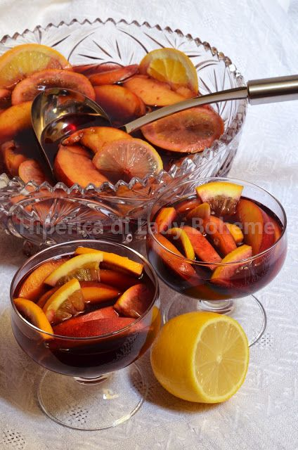 """Sangria with peaches (may need to hit the """"translate"""" button)"""