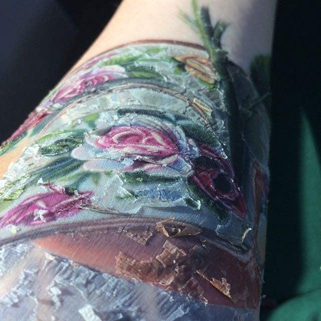 Tattoo Scabbing healing stages in tattoos