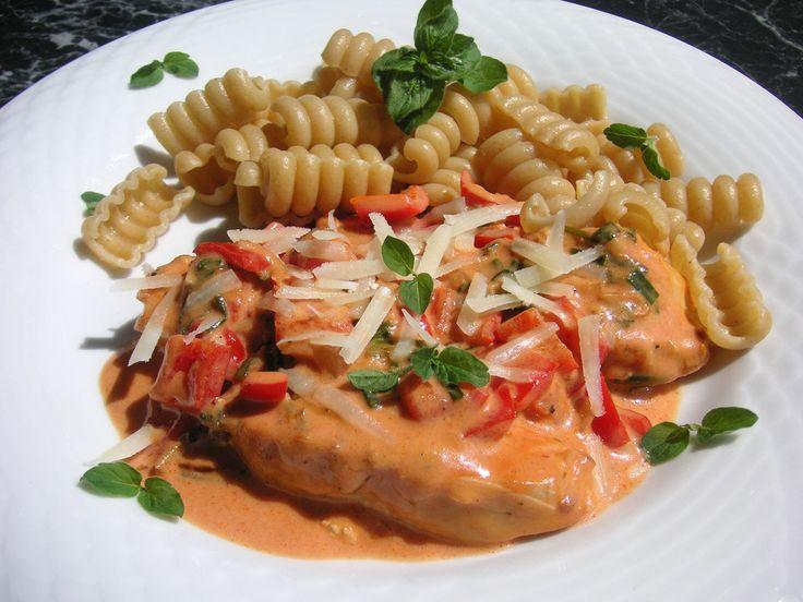 Pasta mit Paprika-Hähnchen-Soße, ein beliebtes Rezept aus der Kategorie Pasta & Nudel. Bewertungen: 6. Durchschnitt: Ø 4,1.