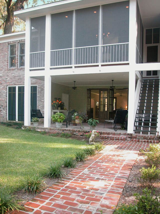 second floor screened porches | The second floor sceen porch and the open porch are auxillary living ...