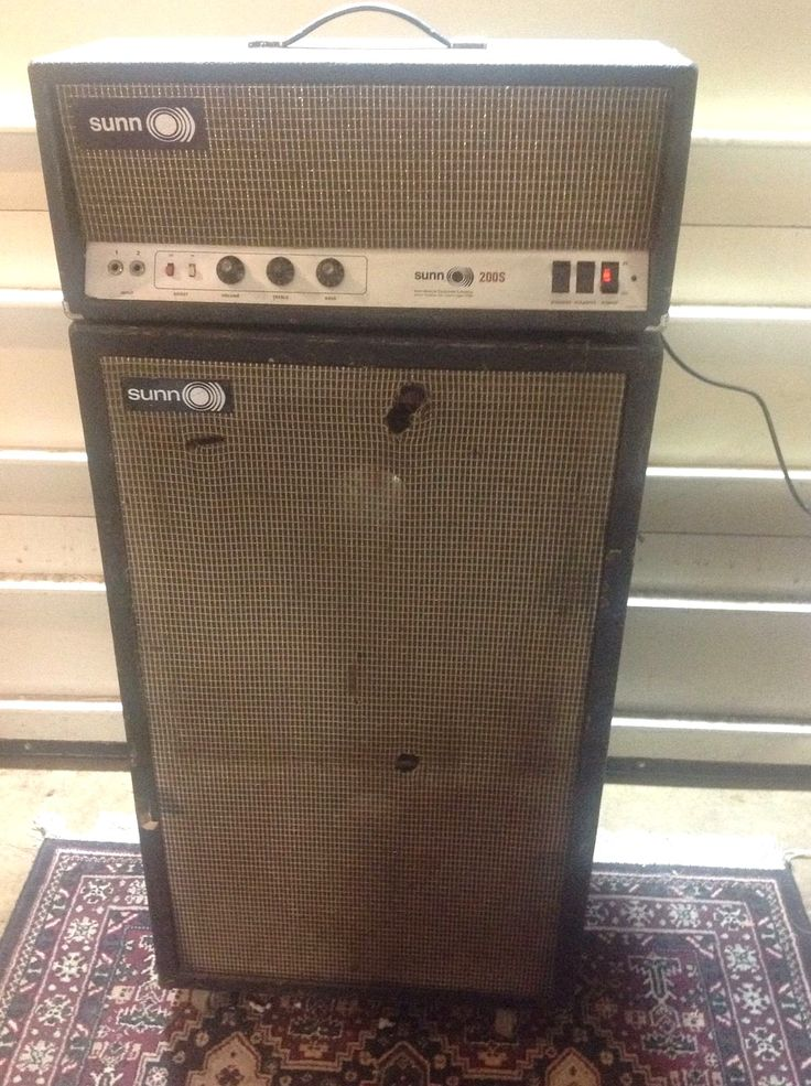 vintage well used sunn bass amp bass guitars in 2019 ampli. Black Bedroom Furniture Sets. Home Design Ideas