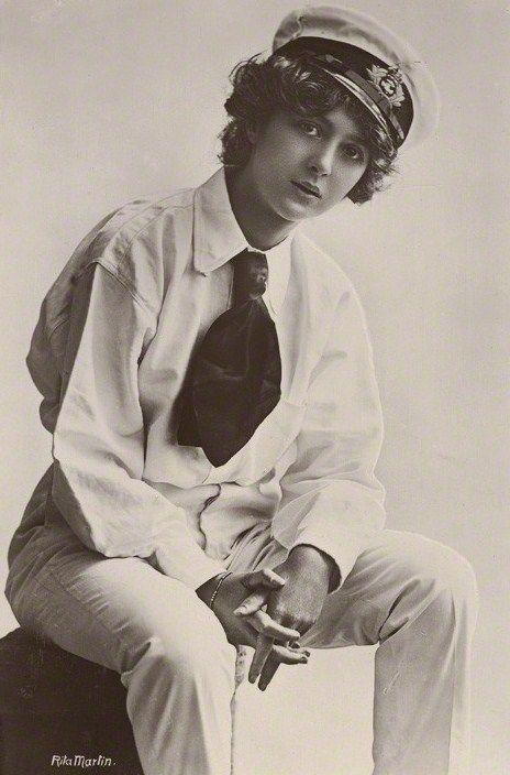 Julia James photographed by Rita Martin, 1910