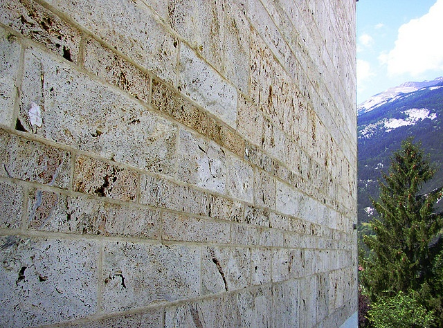 Residential home for the elderly, Masans, 1993 by Peter Zumthor. wall detail.