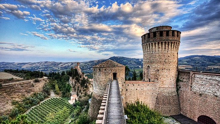 Rocca di Brisighella, Faenza, Ravenna. 44°13′00″N 11°46′00″E