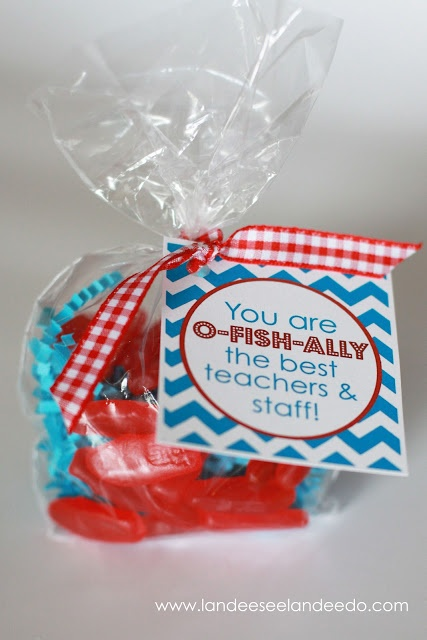 "Teacher Appreciation: Day  Printables  ""You are O-Fish-Ally the best teachers & staff"" @landdeeseelandeedo.com #TeacherAprreciation #FreePrintables #TeacherGifts"