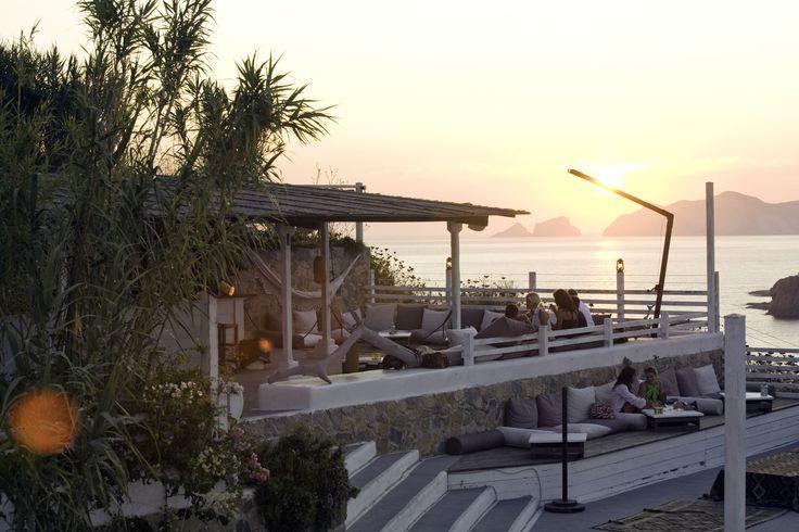 Terrazze Kibar, aperitivo al tramonto(Hotel Chiaia di Luna, Isola di Ponza)