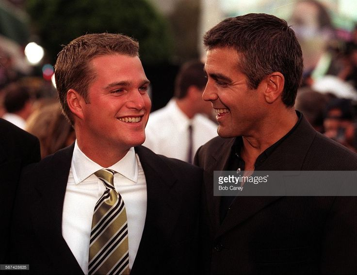CA.Batman.1.0612.BC.D–––George Clooney, right, and Chris O'Donnell star as Batman and Robin in the latest Batman movie having it's world premier in Westwood. Photo taken 6/12/97 by ^^^, LAT.