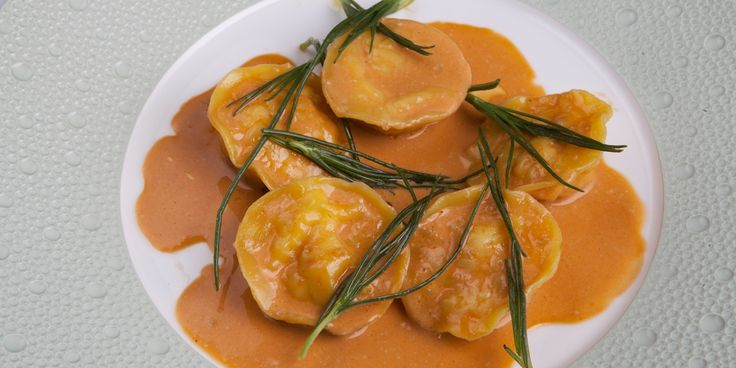Richard Corrigan's lovely crab ravioli recipe is a simple ravioli with delicious crab meat filling. A great crab pasta recipe to make for a quick dinner.