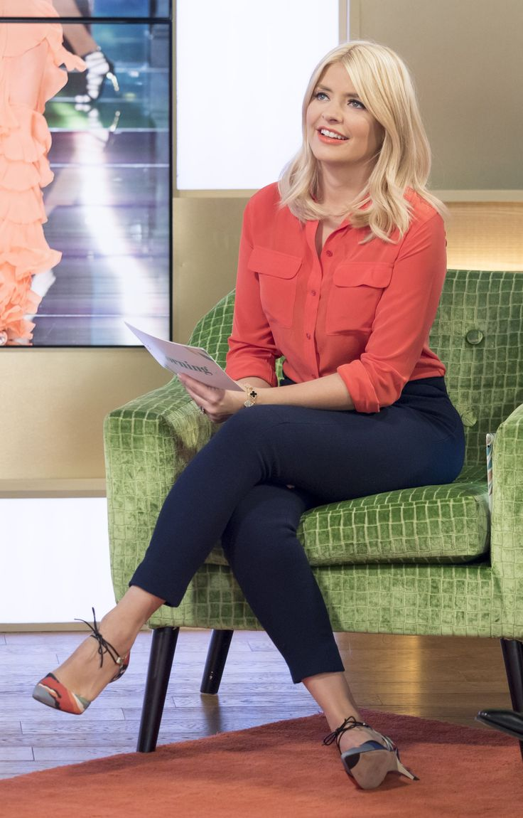Holly Willoughby – This Morning 08.03.16