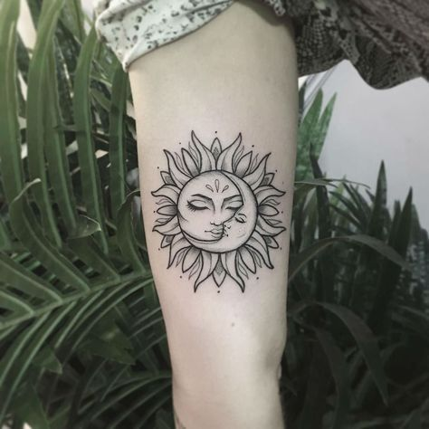 25 Sun and Moon Tattoo-Design-Ideen