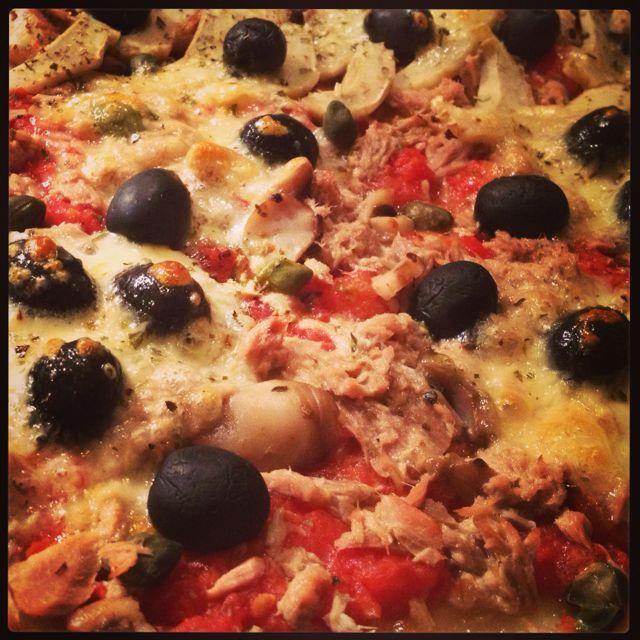 Pizza au thon, artichaut, champignon - Pizza with tuna, artichoke and mushroom #cuisine #cooking #faitmaison #homemade