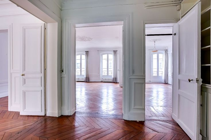 Miromesnil 75008 Paris - 3-bed, 2-bath; 4th floor (elevator); 146m2  € 1,785,000/ € 12,226m2