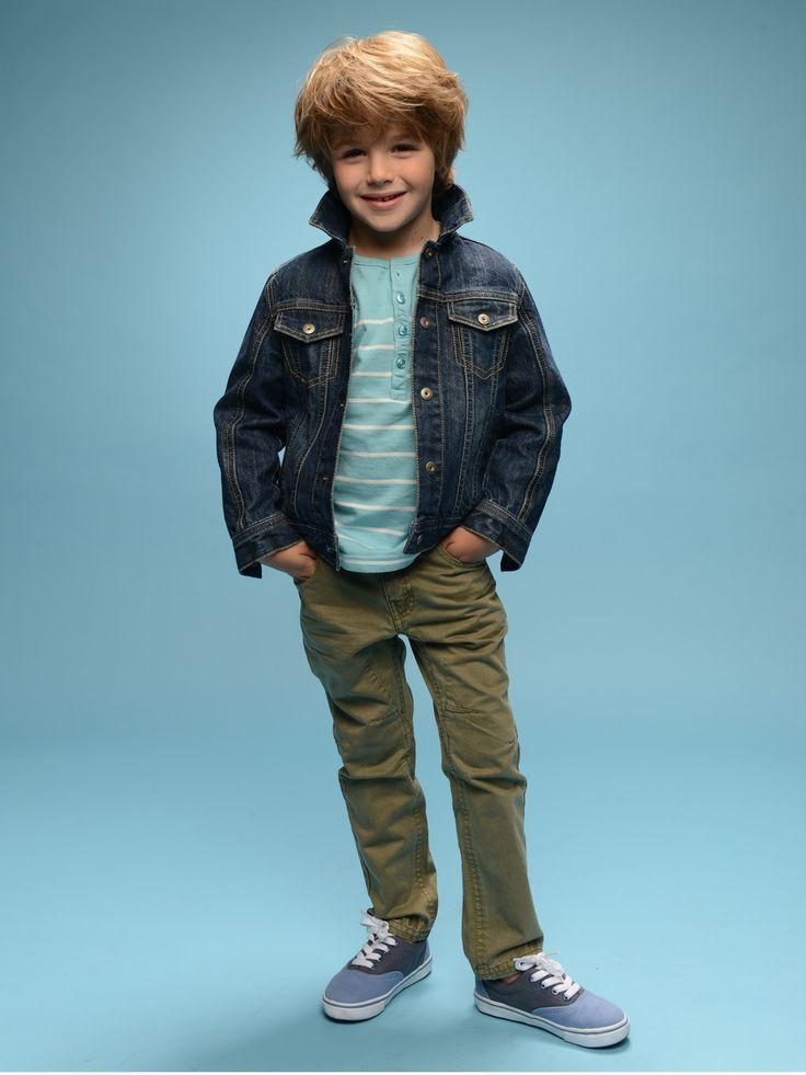 Conjunto Camiseta marinera niño + Chaqueta vaquera niño + Pantalón indestructible estilo motero niño + Zapatillas deportivas de lona niño -