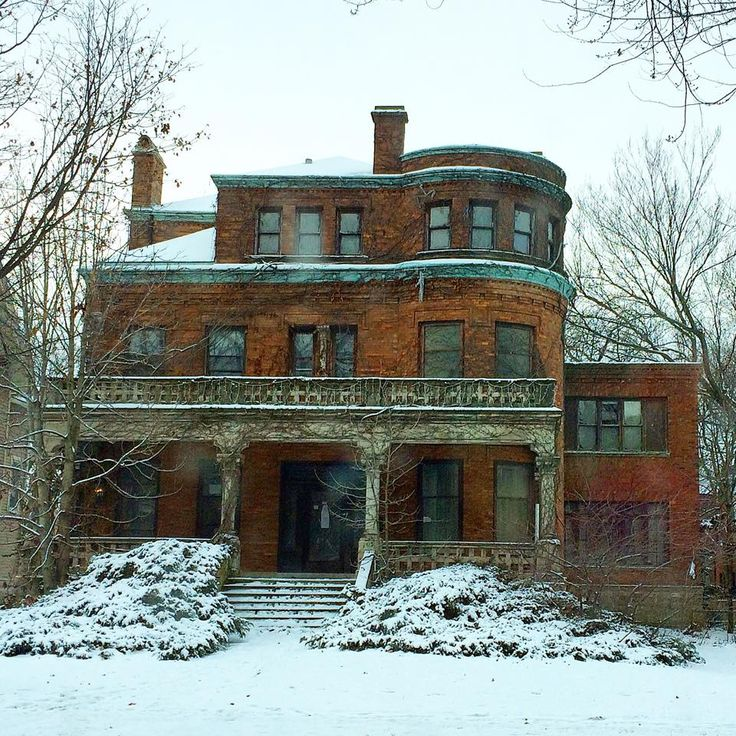 343 best abandoned mansions images on pinterest for Chicago mansion for sale