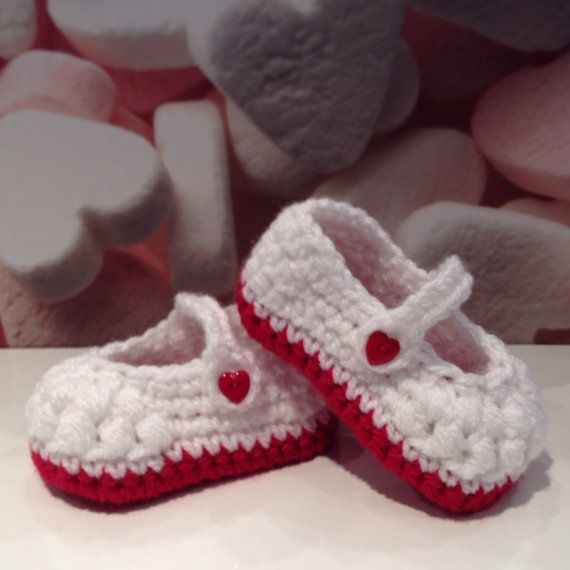 Baby crochet Mary Jane pram shoes by Plumalicious on Etsy