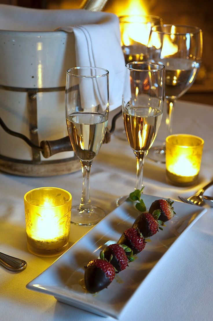 Champagne, strawberries, chocolate.... travel the Awasi way...