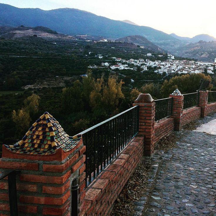 Mirador de Melegís en el Valle de Lecrín en Granada Granada: Juan Carlos Gómez (jcgomvar) en Instagram.