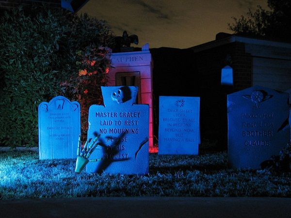 1000 images about haunted mansion halloween party for Halloween decorations you can make at home