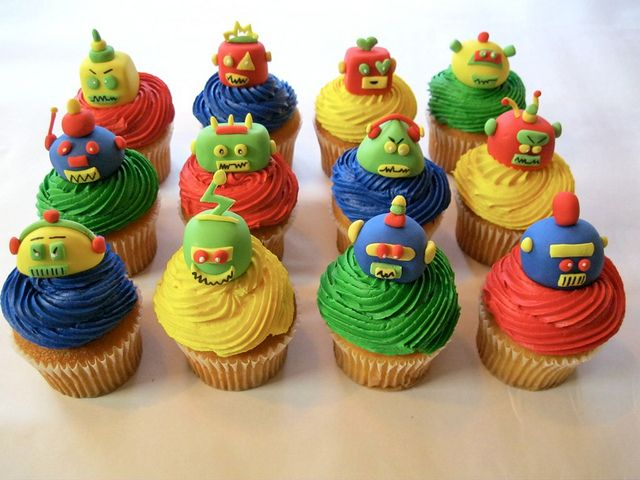 These are some of the coolest #robot #cupcakes I have seen!