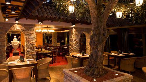 Italian Rustic Restaurant Design