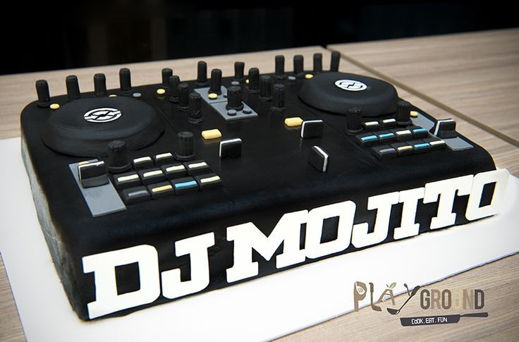 dj cake on Pinterest | Turntable, Music Cakes and Headphones