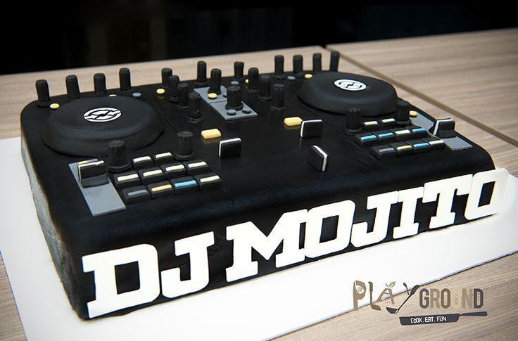 dj cake on Pinterest | Turntable, Music Cakes and Headphones