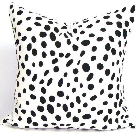 Black+White+PILLOW.18x18+inch.Decorative+Pillow+by+ElemenOPillows