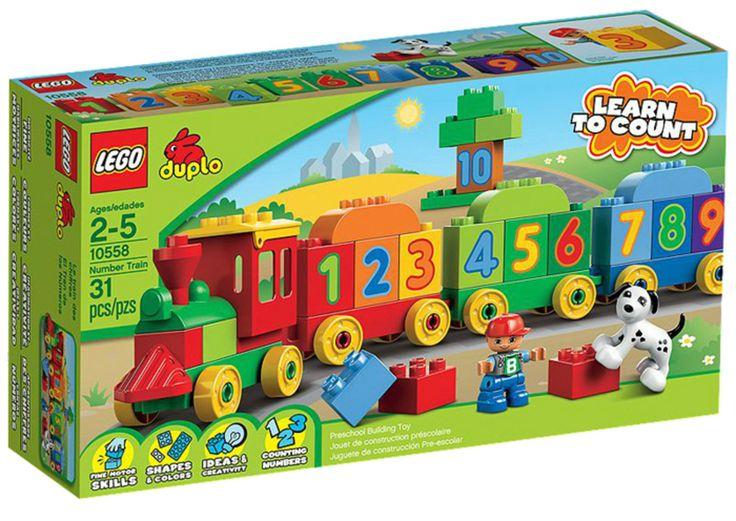 <b>10558 LEGO Duplo Talltog</b> er et morsomt leketog fra Lego Duplo. Ombord på talltoget går tellingen lett som en plett! Med nummererte LEGO® DUPLO®-klosser og tre vogner, lærer barna seg å telle mens de bygger sitt eget tog! Kan bygges om til en tunnel, en bygning, et hundehus mm. <br><br>Inneholder et LEGO DUPLO-barn og en hund. <br><br>Antall deler: 36<br>Anbefalt alder: Fra 2 år.<br><br>Sikkerhet:<br>-Brukes under tilsyn av voksne. <br><br>
