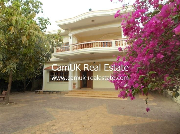 $600 Per month - House for lease is located in Sangkat Koak Chork, Siem Reap town. The property comes with 5 bedrooms, balcony, partially furnished, leafy tropical garden and a large parking area. Each bedroom comes with air-con unit and an en-suite bathroom. Moreover, the living room is huge and the kitchen is big with an ample space for …