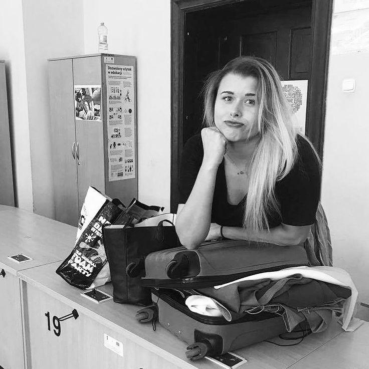 Poprzednia kolekcja się nie mieściła w walizce. Jak będzie z tą?  #countdown #fashionable  Fot. @land_22 . . .  ________ #fashion #fashionblogger #fashiondesigner #polskamoda #designer #lifestyle #style #stylzycia #projektant #pakowanie #polishgirl #polskadziewczyna