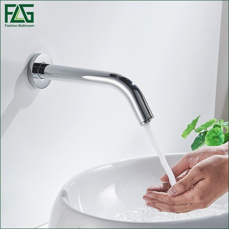 68.77$  Watch now - http://ali402.shopchina.info/go.php?t=32470868912 - Contemporary Bath Mat Chrome Cast Cold Sensor Tap No Handle Automatic Water Faucet Washer Wall Mount Bathroom Mixer Tap 289-66C 68.77$ #SHOPPING