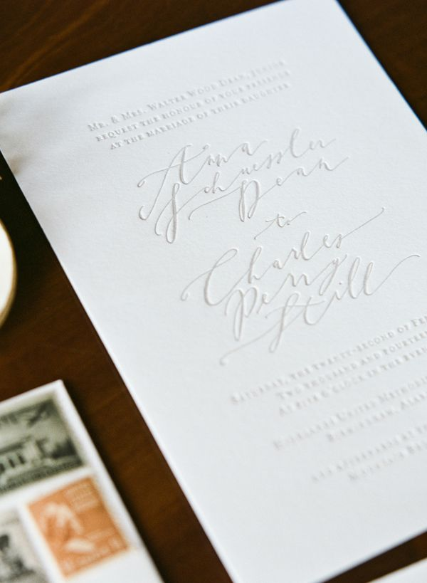 Very simple but elegant letterpress invitations. Organic White and Gold Weddinginspiration