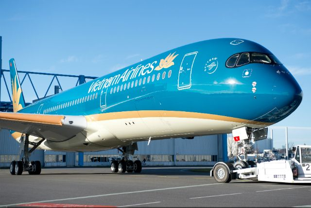 Vietnam Airlines reveals new livery on first A350