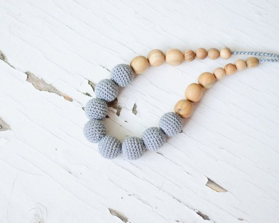 Nursing Necklace / Teething necklace for mom to by KangarooCare, €20.50