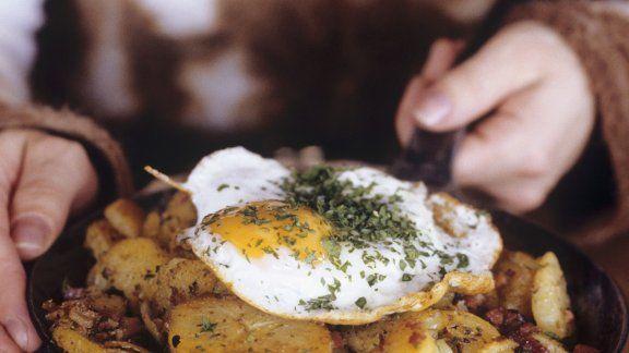 Rezept: Bratkartoffeln mit Fleisch auf österreichische Art (Tiroler Gröstl)