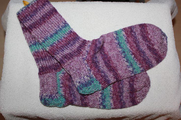 Weiteres - Handgestrickte Socken Gr. 40/41 glitzer lila - ein Designerstück von bastelmaus19 bei DaWanda