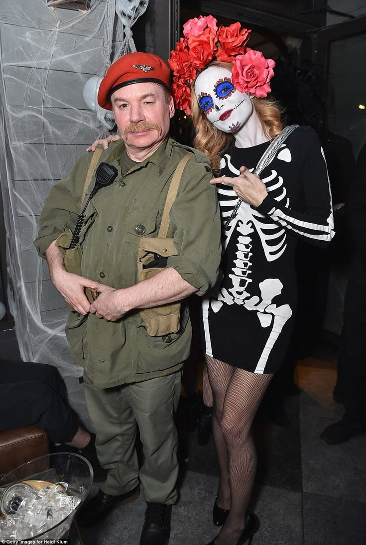 MIKE MYERS & HEATHER GRAHAM HALLOWEEN 2017.  Reunited:The Boogie Nights alum even had a reunion with her a former co-star as she posed...
