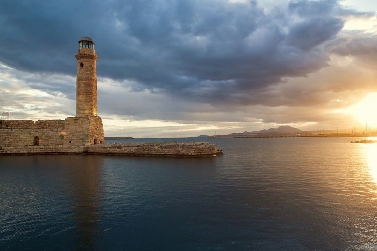 Rethymno Lighthouse https://www.flickr.com/photos/theo_reth/18828090684/