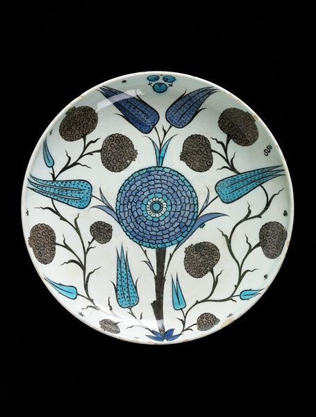 Dish Iznik, Turkey ca. 1530-1550 Fritware, polychrome underglaze painted, glazed London, V, 715-1902