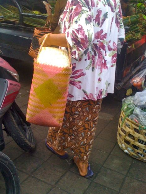Stunning style at the Ubud Market this morning. No rules.