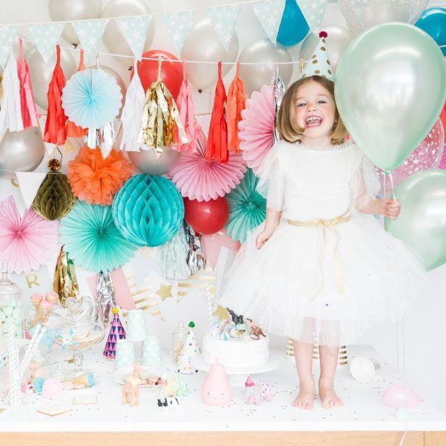 ¡¡¡Si!!! Los días festivos no encantan, gracias San Isidro!! Nostros nos vamos a celebrarlo con nuestras mejores galas... como este difraz de bailarina vintage!! #belandsoph #disfraz #costume #fiesta #sanisidro #modabelandsoph #disfracesbelandsoph #blanco #white #kids #homedecor #decoracion #costume #princesa #bailarina #regalo #detalle