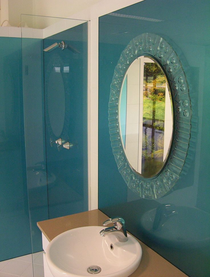 Blue shower walls in acrylic alternative to tiles installed by ozziesplash acrylic shower - Splashback alternatives ...