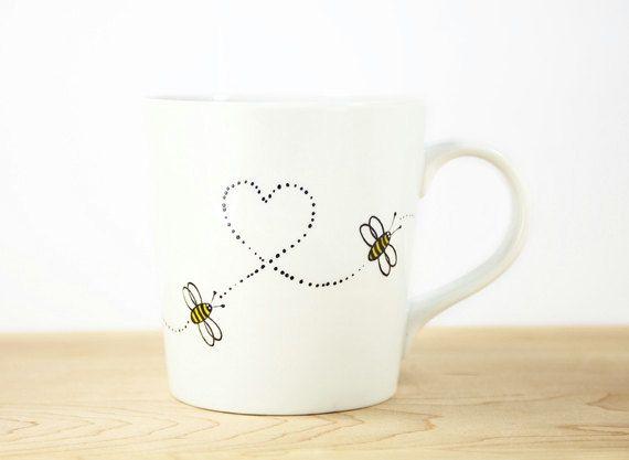 Hand bemalt weiß Keramik-Becher Hallo Honey von SylwiaGlassArt