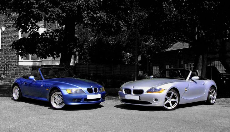 I took this picture at the request of a friend who was selling his Z3 and had bought the Z4 as a replacement