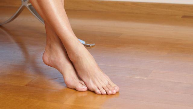 Eine Fußbodenheizung lässt sich auch nachträglich einbauen. Im Altbau muss man aber mit Nachteilen rechnen.
