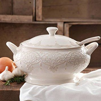 The Pioneer Woman Farmhouse Lace Tureen with Lid and Ladle (1)