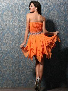 VILAVI Платья предоставляет интернет-магазин платье из 100% сделанный на заказ красивые платья короткие платья по доступной цене. Здесь вы также можете получить короткие платья с кружевами и украшения пышной юбки.