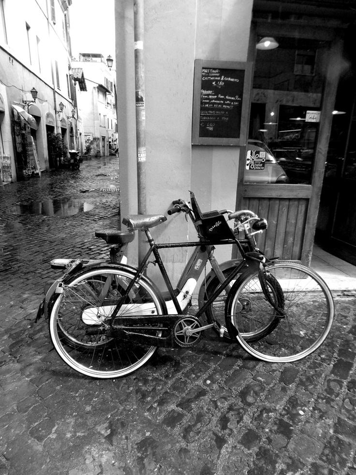 kcomekarolina, rome, italy, città eterna, roma, italia, bici