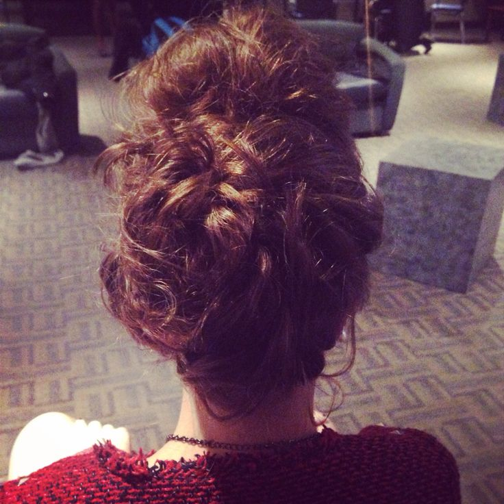 Fun updo! Fast messy and up!