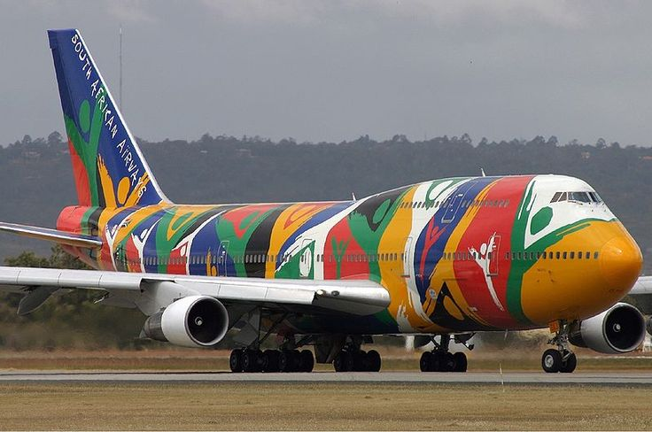 """South African Airways Boeing 747-300 """"Ndizani"""" at Perth Airport"""